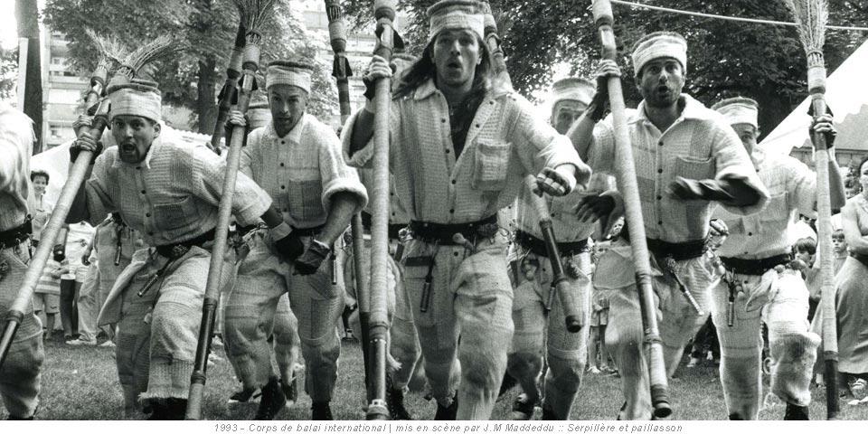 1993 - Corps de balai international | mis en scène par J.M Maddeddu :: Serpillère et paillasson